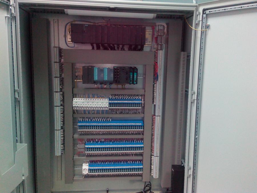 Шкаф управления автоматизированной линии изготовления смесей